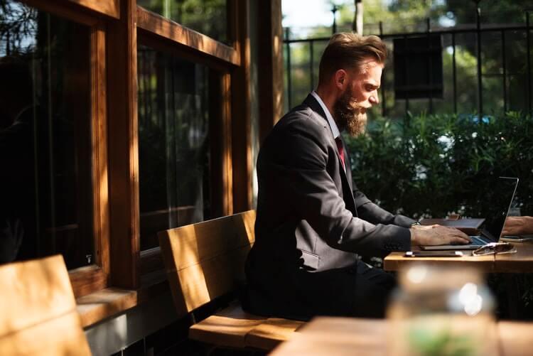 Seminarversicherung für Selbständige oder Angestelle Ratgeber & Vergleich
